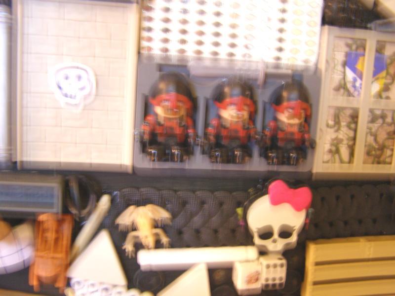 r close 1-4f skulls soldiers.jpg