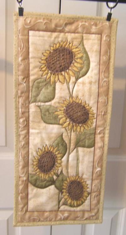 sunflowers.thumb.jpg.a72f99b44bd14f3a59dd1b9bfa7b85b9.jpg